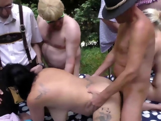 blonde blowjob upornia brunette
