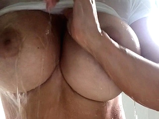 amateur big boobs upornia shower
